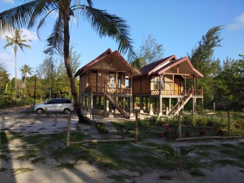Laendra Sunset Beach Guesthouse In Jepara Indonesia Wander