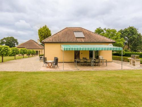 Cozy Holiday Home in Aquitaine with private pool - Hotel - Saint-Nexans
