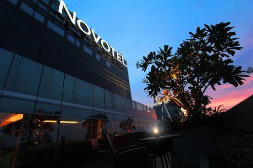 Novotel Bangkok Ploenchit Sukhumvit photo 22