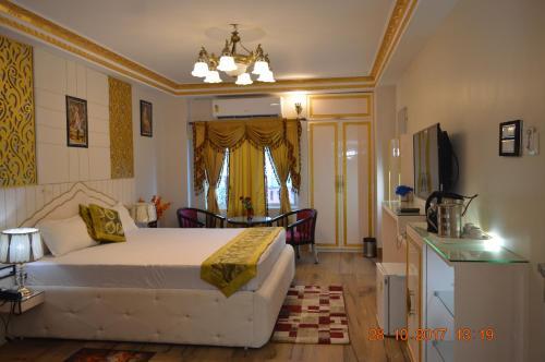 Hotel Biswanath