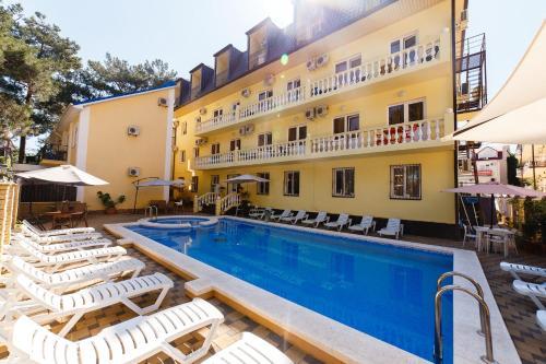 . Hotel Prestige