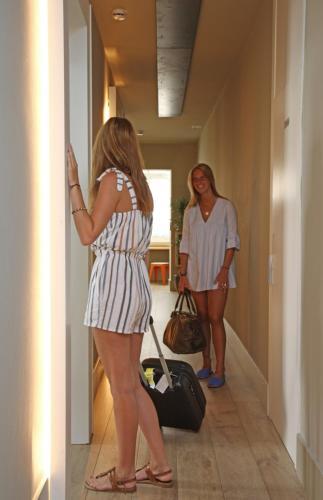 Chic & Basic Tallers Hostal photo 4