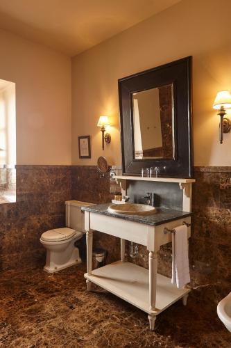 Deluxe Double Room Palacio Urgoiti 3