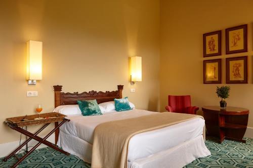 Large Single Room Palacio Urgoiti 8