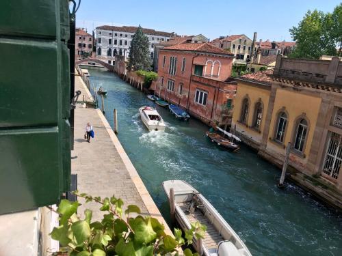 Alla Corte Rossa Улучшенный двухместный номер с 1 кроватью и видом на канал