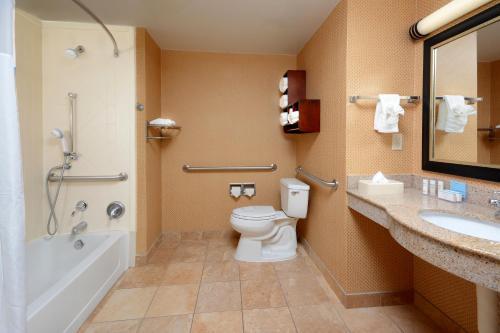 Photo - Hampton Inn & Suites Huntersville