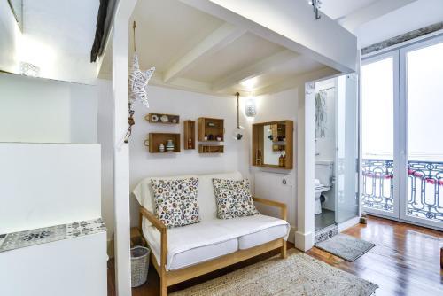 Modern Studios in Historic Bica - image 6