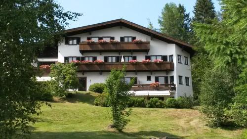 Landhaus Frenes Apartments Seefeld