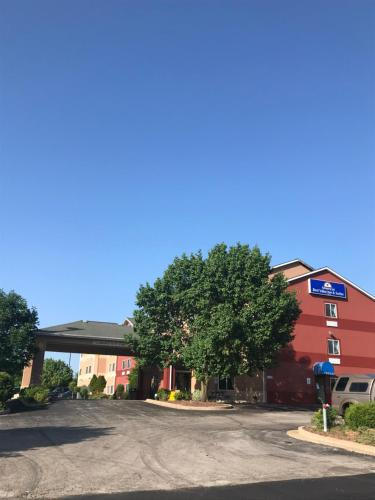 Hotel Americas Best Value Inn and Suites Saint Charles