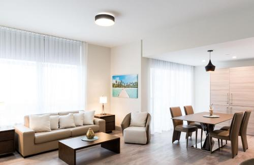 Ch Deluxe Apartments