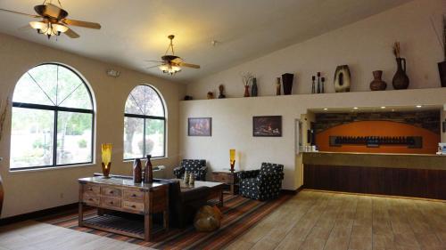 Best Western Grande River Inn & Suites - Clifton, CO 81520
