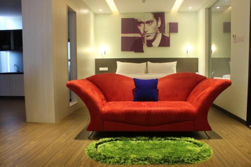 Book OS Style Hotel Managed by Orange Sky Management in Batam Island