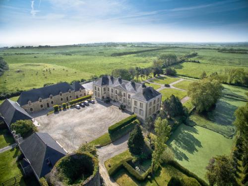 . Chateau de Quinéville