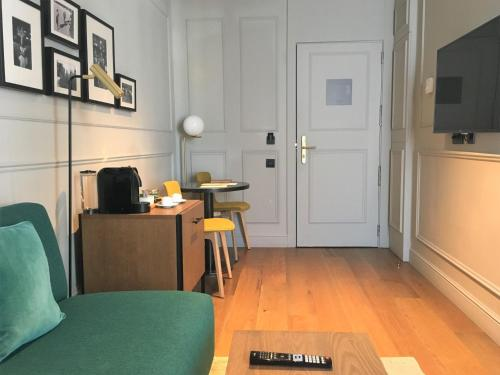 Deluxe Junior Suite TÓTEM Madrid, a Small Luxury Hotel of the World 5
