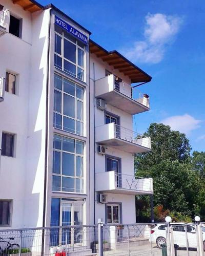 . Apartments Alavana