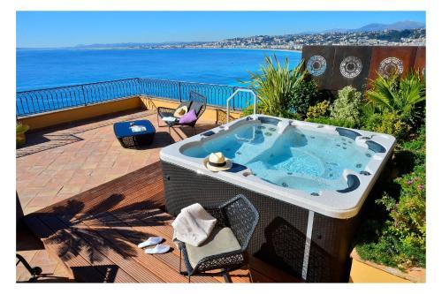 11 Quai Rauba Capeu, Nice 06300, France.