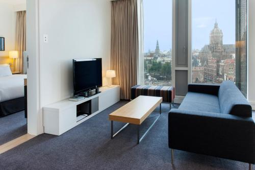 DoubleTree by Hilton Amsterdam Centraal Station photo 25