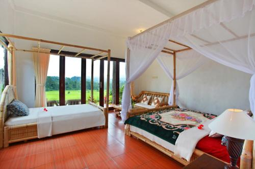 Kamar Triple dengan Pemandangan Pegunungan (Triple Room with Mountain View)