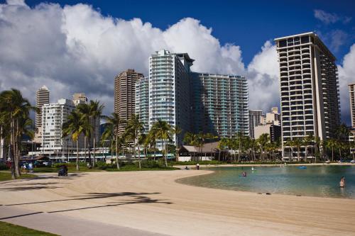 Waikiki Marina Resort - Honolulu, HI 96815
