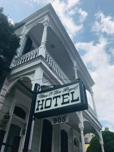 Nine O Five Royal Hotel
