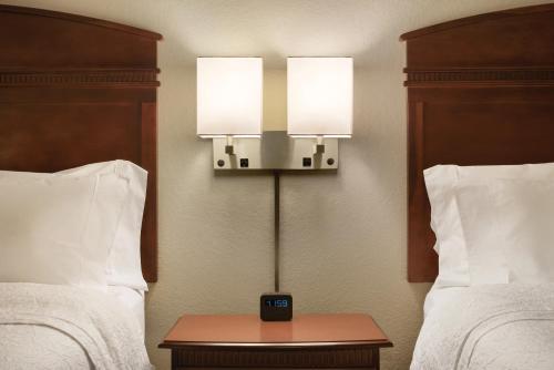 Hampton Inn & Suites Madison - West - Madison, WI WI 53719
