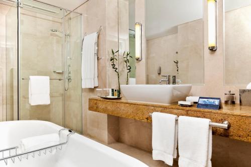 Hilton Doha rum bilder