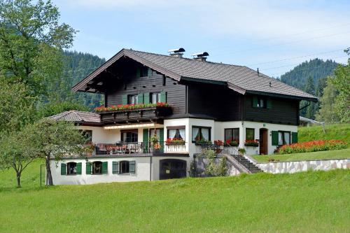 Gästehaus Pöll Maria - Accommodation - Scheffau am Wilden Kaiser