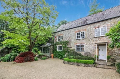 Stay At Penny's Mill, Frome