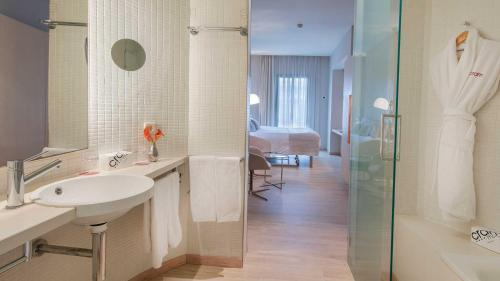 Superior Double Room - single occupancy Cram 18