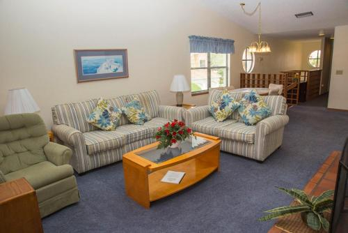 3BR Villa - Claremont Holiday Home
