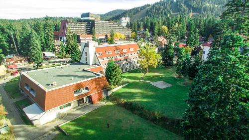 Hotel Ela - Photo 2 of 80