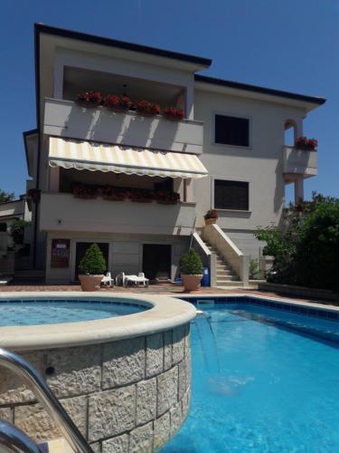 . Apartments Villa Mirjam