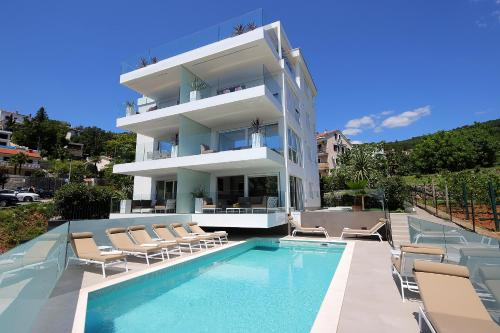 Stylish apartment 100 m from the beach