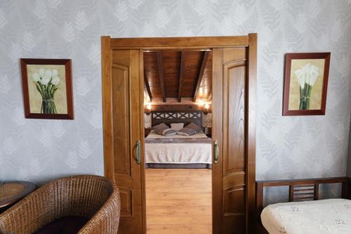 Suite con bañera de hidromasaje Hotel Spa San Marcos 13