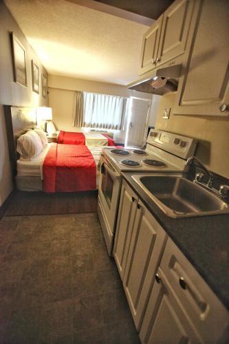 Best Budget Inn & Suites Kamloops - image 13