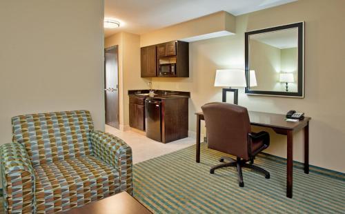 Holiday Inn Columbia East - Columbia, MO MO 65201