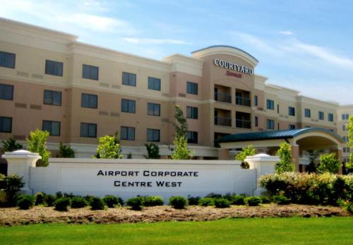 Courtyard by Marriott Mississauga-Airport Corporate Centre West - Hotel - Mississauga