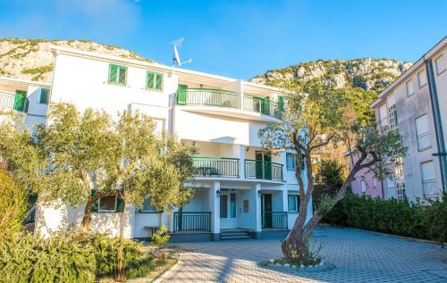 . Apartments Denis