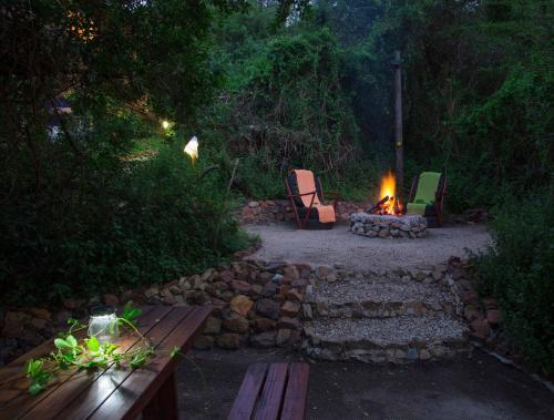 . Thunzi Bush Lodge