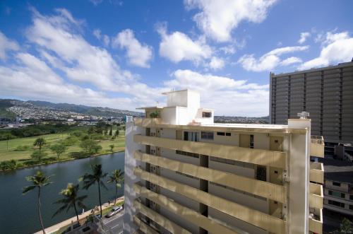 Aqua Skyline At Island Colony - Honolulu, HI 96815