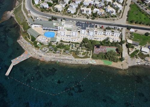 Karabağ Chronos Beach Akyarlar tek gece fiyat