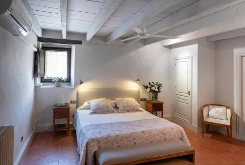 Double Room with an extra bed Can Mora de Dalt 3