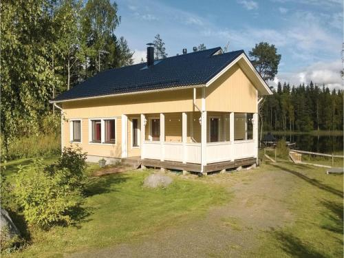 Four-Bedroom Holiday Home in Ristiina
