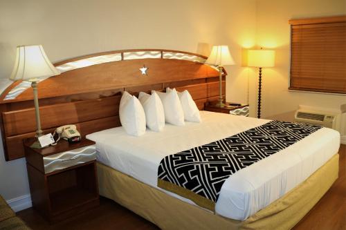 Montecarlo Motel- Near Disney - Kissimmee, FL 34746
