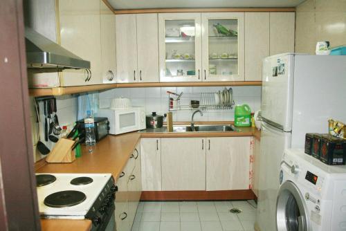 Floraville condominium B7E Floraville condominium B7E
