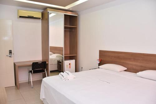 __{offers.Best_flights}__ Equatorial Hotel