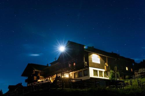 Sattleggers Alpenhof & Feriensternwarte - Hotel - Berg im Drautal
