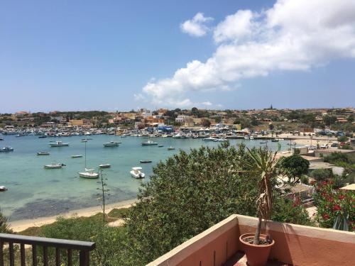 Volo hotel per Lampedusa: prenota i tuoi viaggi con eDreams