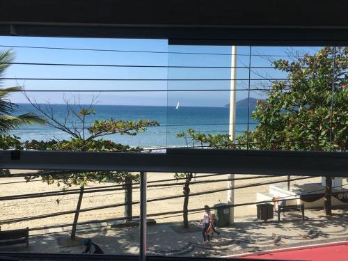 Fantástico apartamento de frente para o mar em Balneário Camboriú