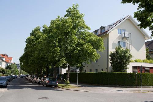 Hotel Kriemhild am Hirschgarten photo 89